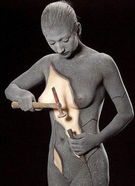mulher_esculpindo1-272x375
